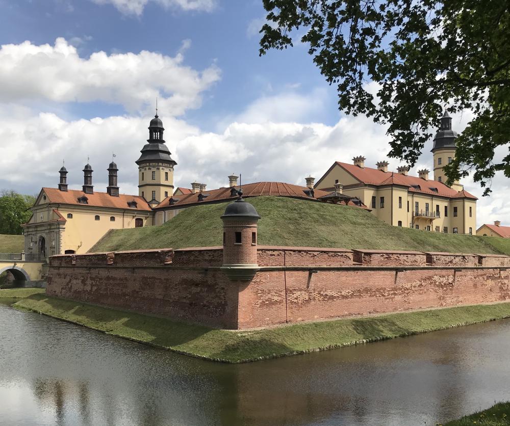 Замок снаружи